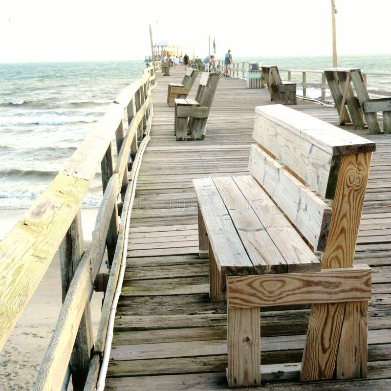 Пристань на атлантическом пляже, Северной Каролине стоковые изображения