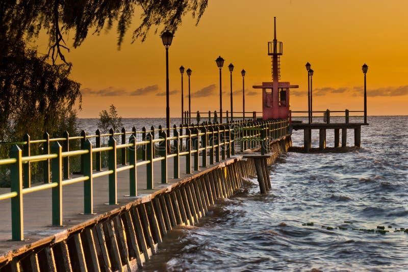 Пристань на восходе солнца стоковое фото
