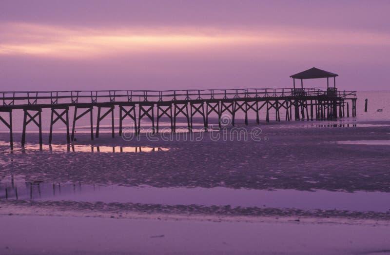 Пристань на восходе солнца, Biloxi, Миссиссипи стоковое фото