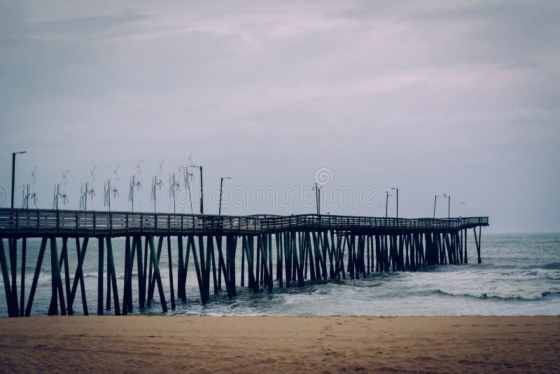 Download Пристань рыбной ловли в Virginia Beach, Вирджинии Стоковое Изображение - изображение насчитывающей город, coast: 81800617