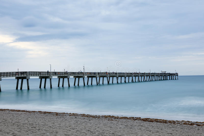 Пристань рыбной ловли пляжа Dania, Флорида стоковая фотография rf