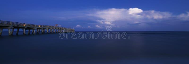 Пристань стоимости озера стоковое фото rf
