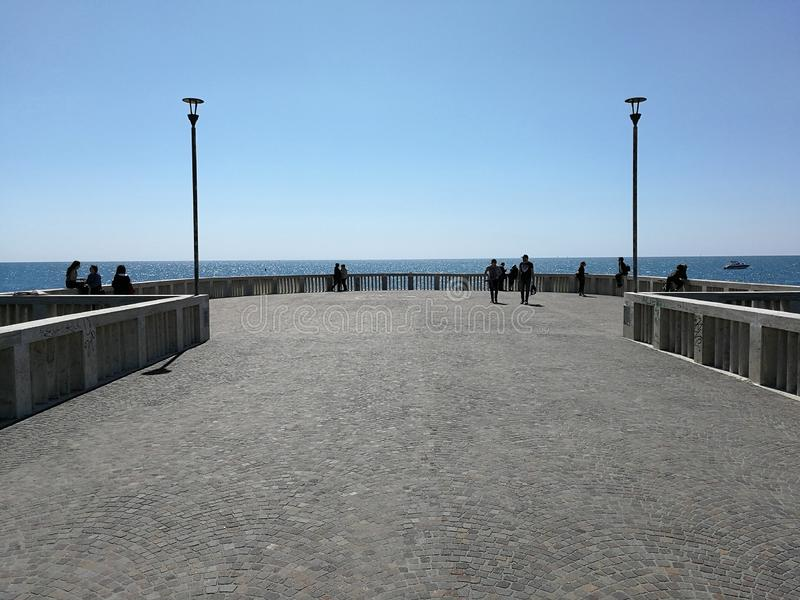 Пристань Ostia против света стоковое изображение