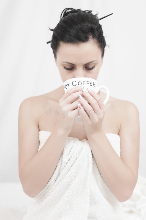 пристрастившийся кофе стоковое фото rf