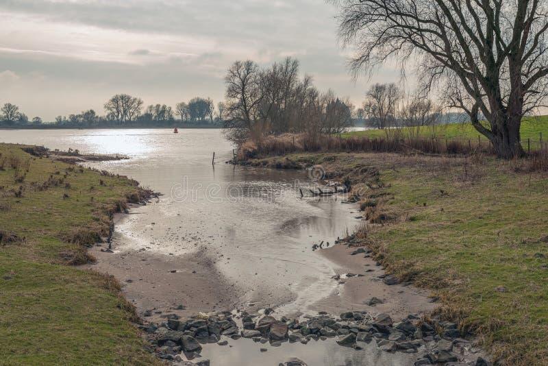 Приток широкой голландской реки стоковые фотографии rf