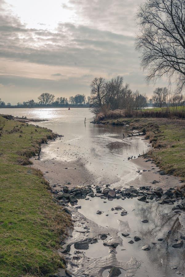 Приток широкой голландской реки стоковая фотография