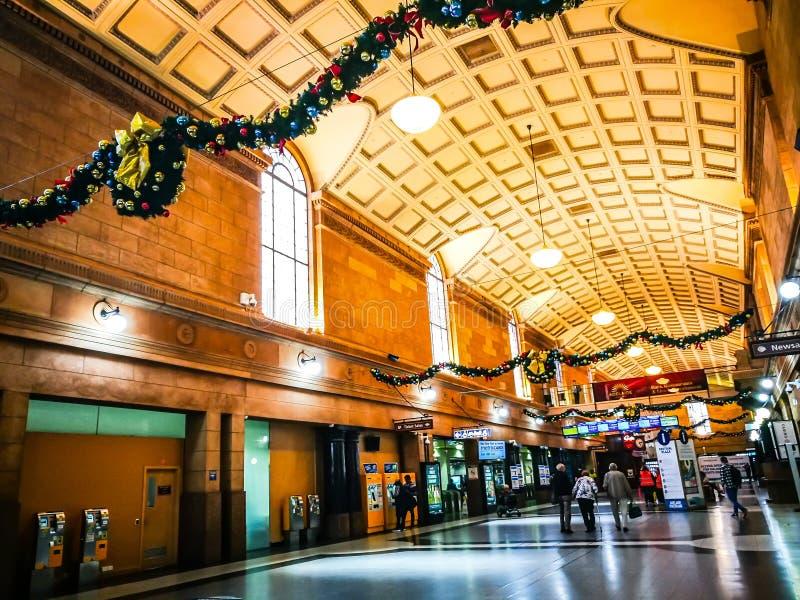 Прихожая парадного входа железнодорожного вокзала Аделаиды центральная конечная станция железнодорожной сети метро стоковое фото
