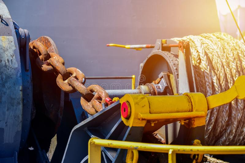 Причаливать грузовой корабль палубного груза lass ворота передний стоковое фото