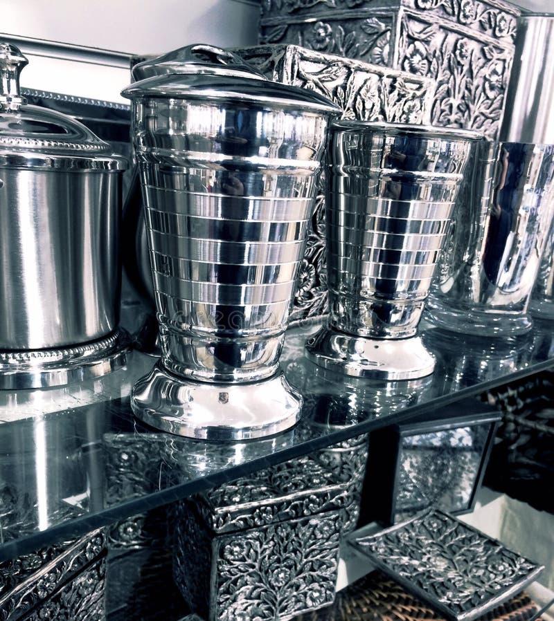 Причудливые серебряные домашние детали оформления стоковое изображение rf