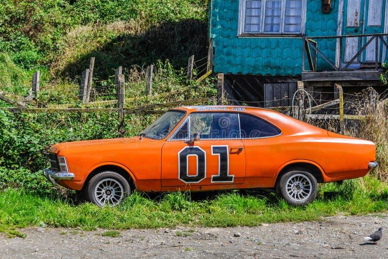 Причудливый автомобиль, остров Chiloe, Чили стоковое изображение rf