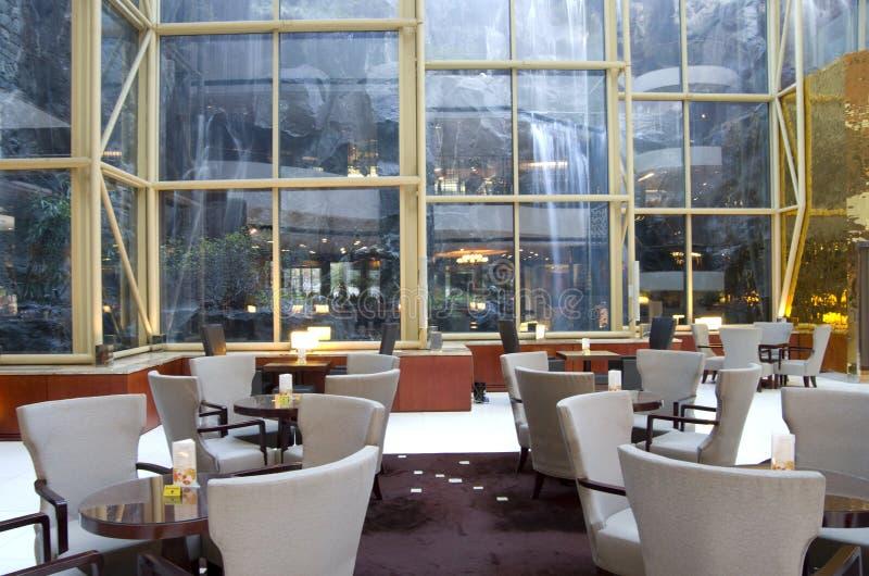 Причудливый бар-ресторан в гостинице стоковые изображения rf