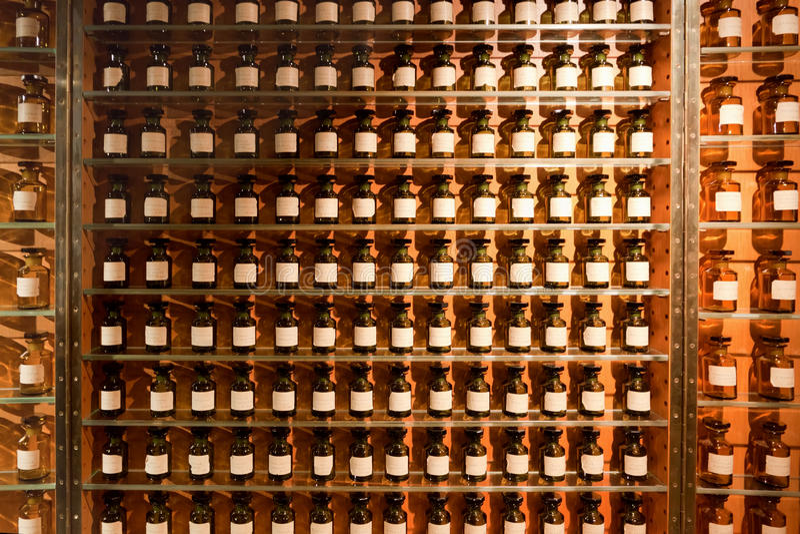 пробирки магазина дух благоуханиями стоковое изображение