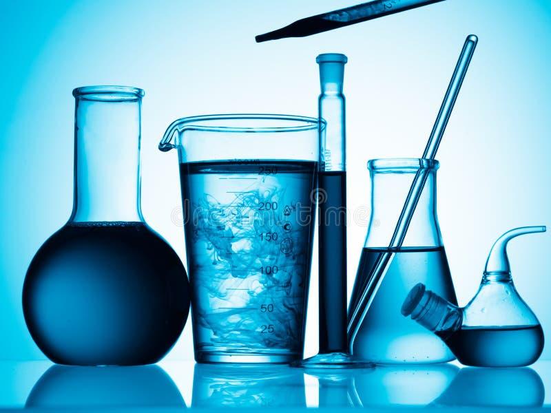 пробки жидкости склянок стоковая фотография rf