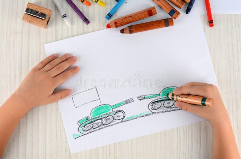 Проблемы 2 стран рисуют в чертеже ` s детей Проблемы войны 2 стран стоковые фотографии rf