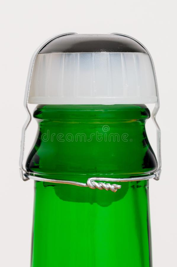 Пробочка бутылки игристого вина пластиковая стоковая фотография rf