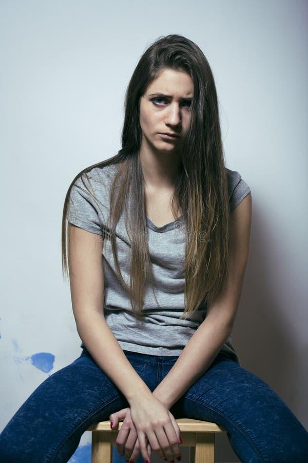 Проблема depressioned подростковое с messed волосами и унылой стороной стоковые фотографии rf