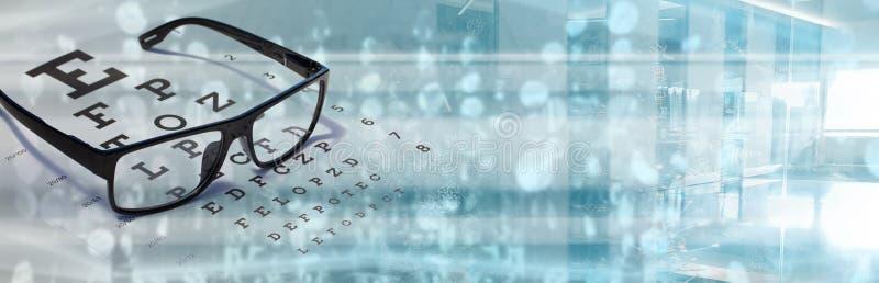 Проверка зрения глаз с помощью оптометристской технологии карты зрения стоковое изображение