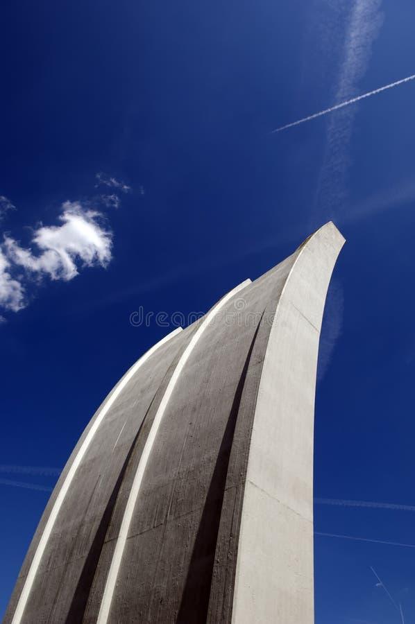 проветрите памятник frankfurt моста авиапорта стоковые изображения