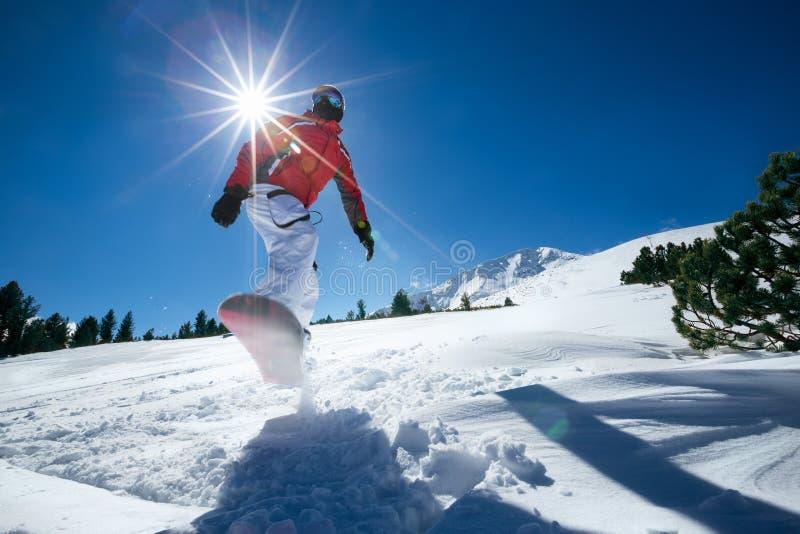 проветрите скача snowboarder стоковые фото