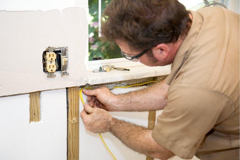 проводка электрика домашняя стоковая фотография rf