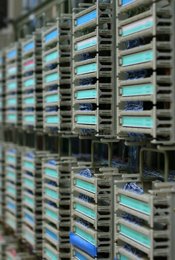 провод телекоммуникаций шкафа стоковая фотография