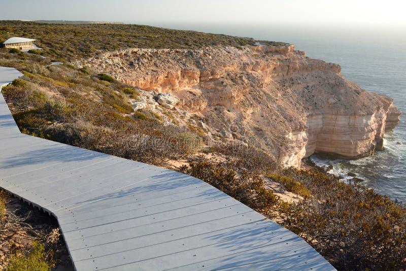 Прогулка прибрежных скал сценарная Национальный парк Kalbarri Западное Австралия australites стоковое фото