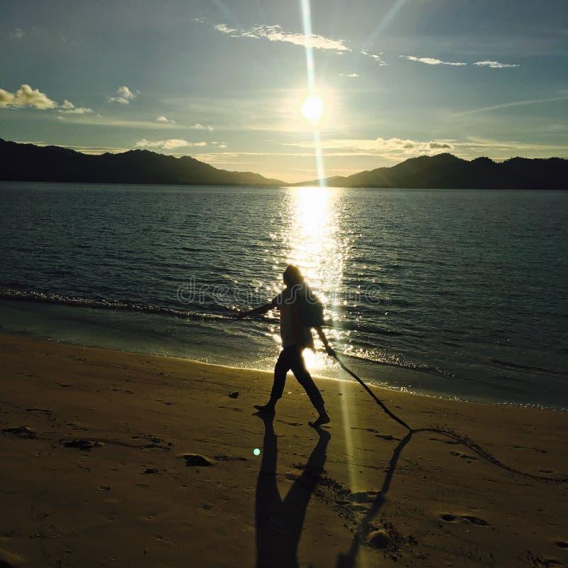 Прогулка в восходе солнца стоковое фото rf