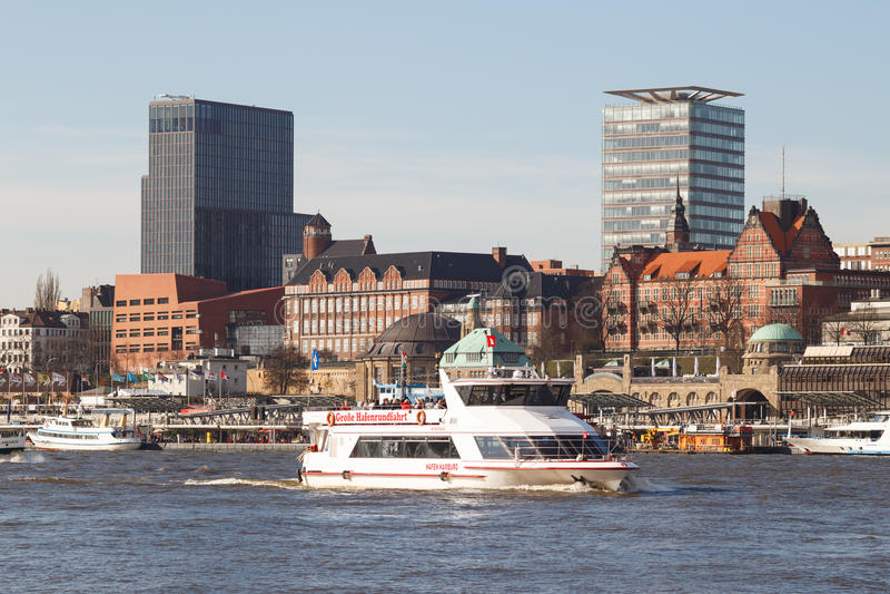 Прогулка на яхте гавани Гамбурга стоковые фото