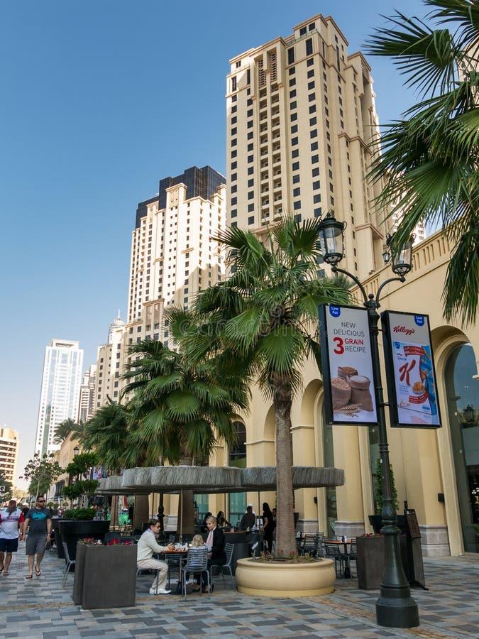 Download Прогулка прогулки в Марине Дубай Редакционное Изображение - изображение насчитывающей роскошно, променад: 37931880