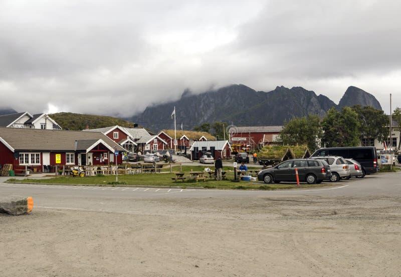 Прогулка туристов в саде Норвегии стоковое изображение