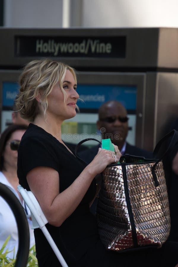 Прогулка Kate Winslet славы стоковые фотографии rf