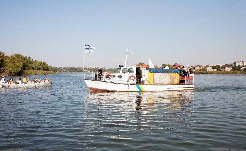 Прогулочный катер и яхта стоковое изображение rf