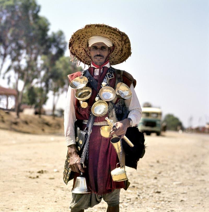 Продавец воды в традиционной одежде стоковая фотография