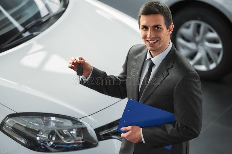 Продажи автомобиля стоковые изображения