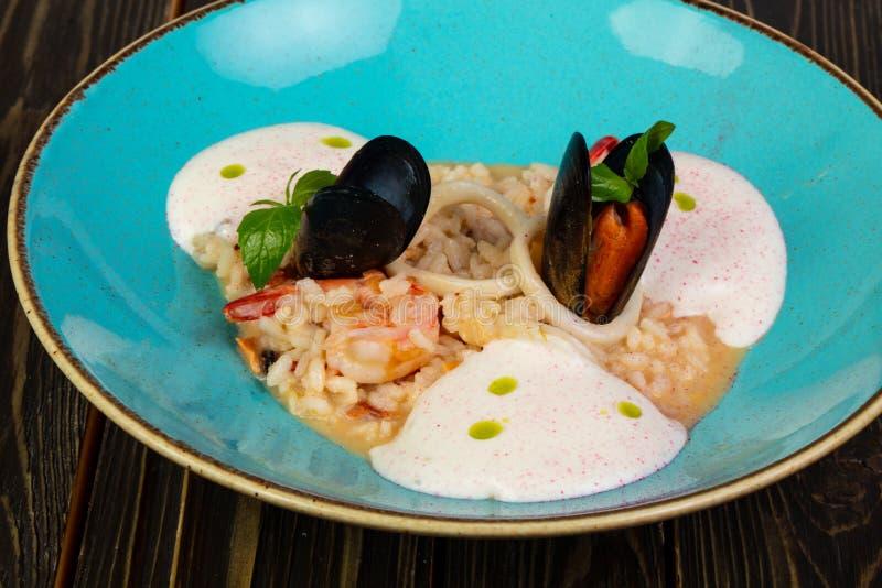 продуктов моря risotto еды традиционное итальянских nutritious вкусное стоковое изображение rf