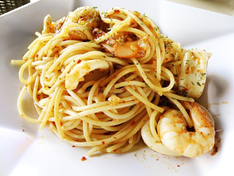 продукты моря макаронных изделия сплавливания еды стоковые фотографии rf