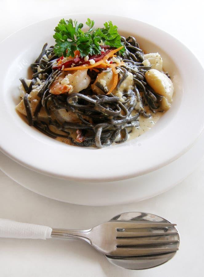 продукты моря макаронных изделия linguine стоковая фотография