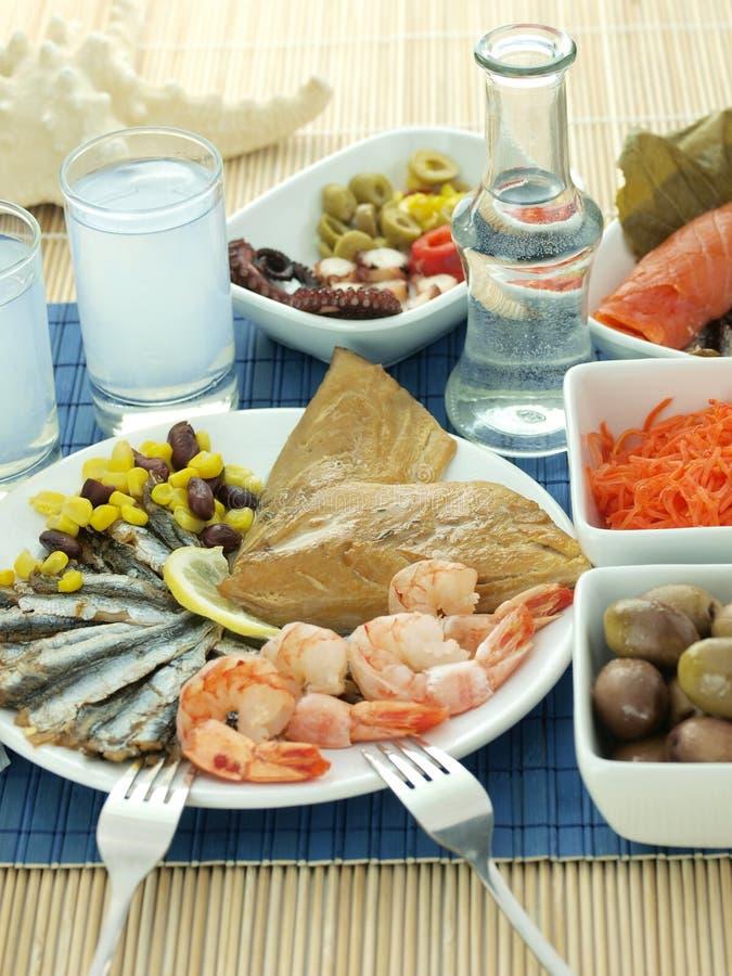 продукты моря ouzo стоковые изображения