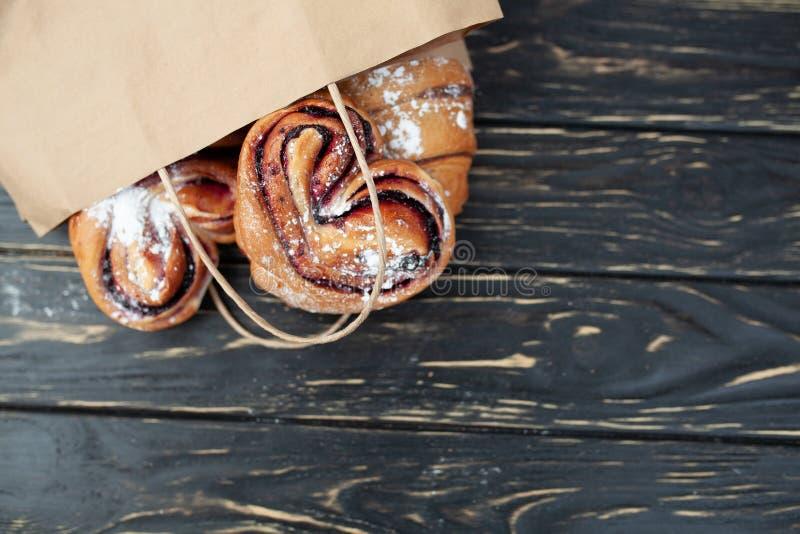 Продукты пекарни бумажного мешка здоровая еда Пустое пространство лакомка еды принципиальной схемы питательная Насмешка вверх стоковые изображения rf