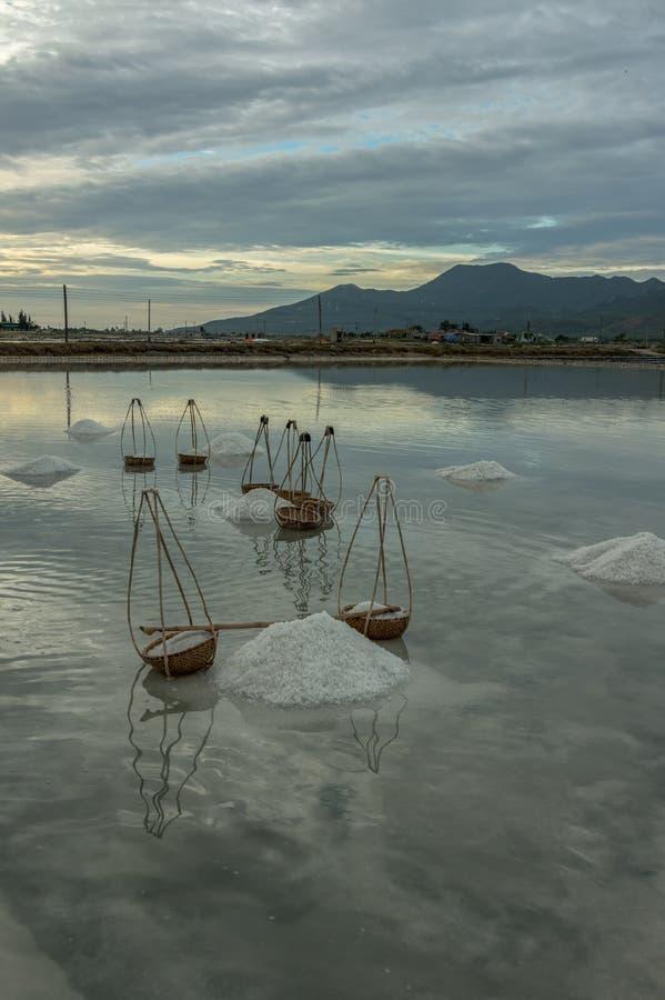 Продукция соли, соль обрабатывала part3 стоковое изображение rf