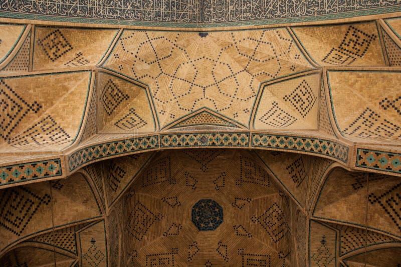 Проектная работа над дверью, isfahan, Ираном стоковое фото