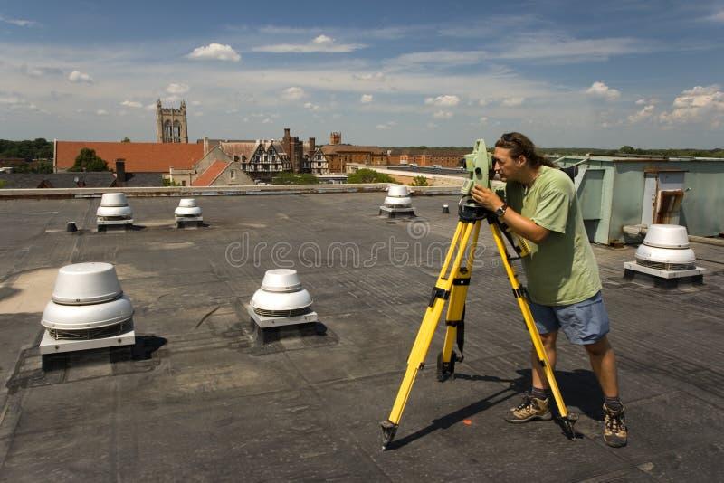 производить съемку крыши стоковое фото rf
