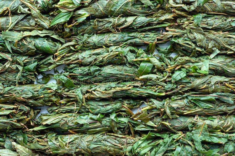 Производственный процесс чая Лист чая переплетенные вручную Зацветая заквашивание Салли стоковые изображения rf