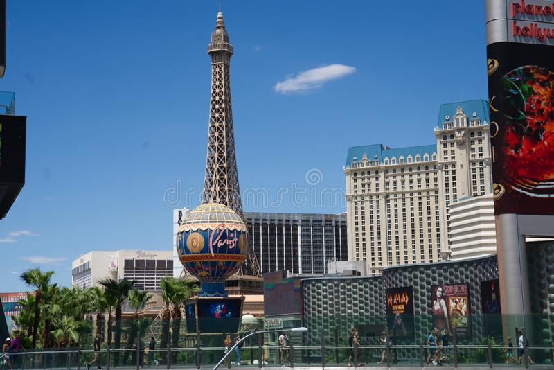 Прокладка Лас-Вегас на космополитическом пешеходном мосте стоковое изображение