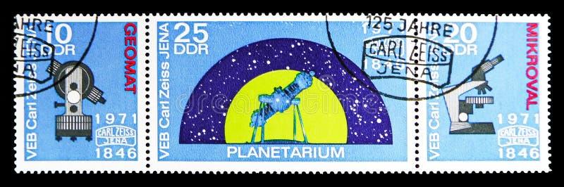 Прокладка 3 печатей почтового сбора от 125 лет serie Карл Zeiss Йены, около 1971 иллюстрация вектора