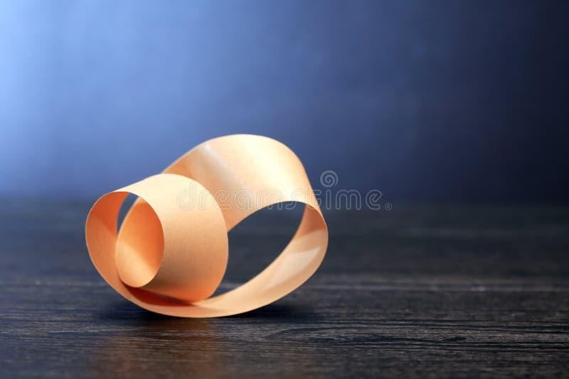Прокладка Mobius на темноте стоковая фотография