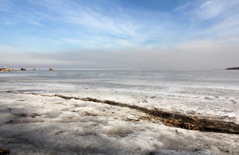 Пролом в льде на финском заливе стоковые фото