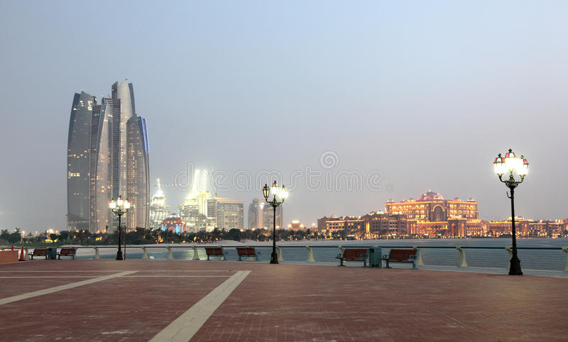 променад Abu Dhabi стоковая фотография rf