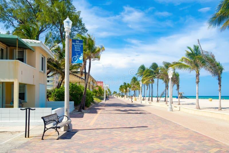 Променад пляжа Голливуда в Флориде стоковые фото