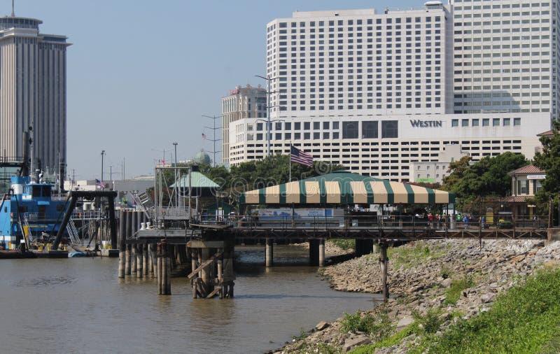 Промышленная область портового района в Новом Орлеане стоковое изображение rf